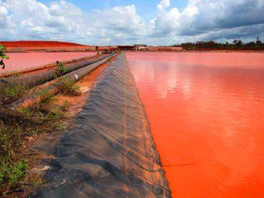 Múlti envenenou igarapés no Pará com lama tóxica. Barragem não tinha licença