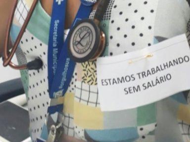 Médicos do Rio trabalham com adesivos contra atraso nos salários