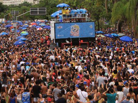 Carnaval de rua com força total!