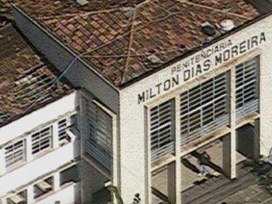 Rebelião: agentes penitenciários são mantidos reféns no Rio