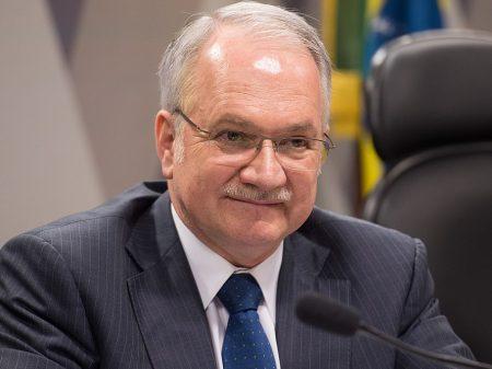Fachin rejeita pedido de HC a Lula e manda para o plenário do STF decidir