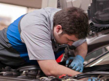 Setor de Serviços cai 2,8% no ano passado
