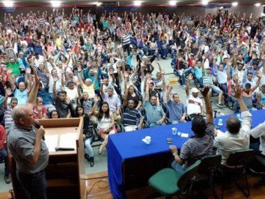 Previsto em lei, trabalhadores aprovam contribuição sindical em assembleias
