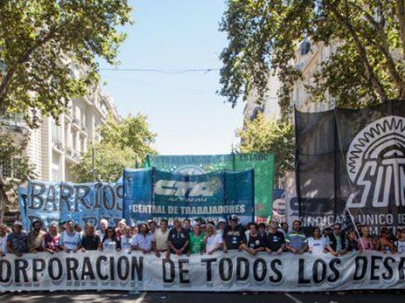 Argentina: greve contra arrocho e  pela readmissão de demitidos por Macri