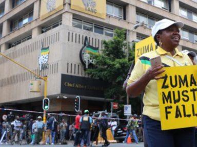 CNA discute saída de Zuma acusado de receber reforma de residência como propina