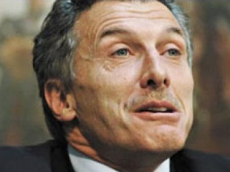 Argentinos processam Macri por traição à Pátria