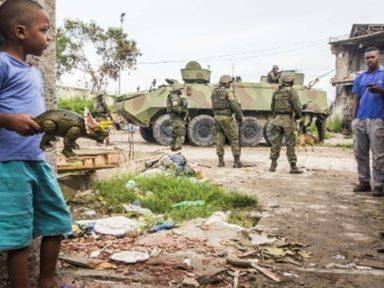 Militares no RJ: Temer diz que não paga nem a dívida de 2017