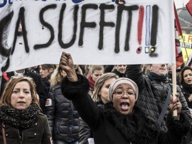 Funcionários públicos franceses param contra corte de 120 mil