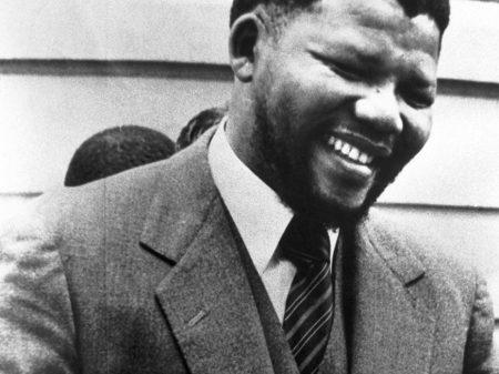 """Nelson Mandela: """"Por este ideal, estou preparado para morrer"""" – (4)"""