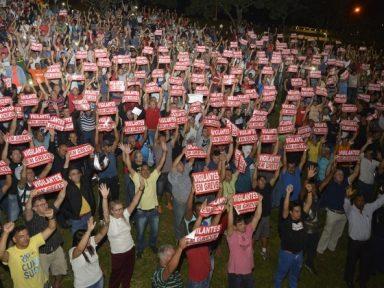 Vigilantes do DF mantêm greve em defesa de reajuste no salário