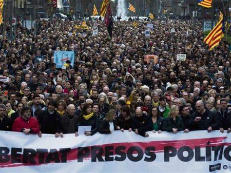 Polícia alemã adere à repressão de Rajoy e prende líder catalão