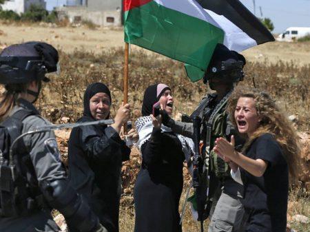 """""""Minhas lágrimas são de luta"""", afirma o pai de Ahed em carta à filha presa em Israel"""