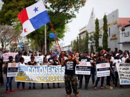 Panamá: moradores tomam as ruas de Colón contra paralisia de obras
