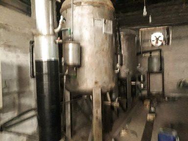 Exército sírio expõe fábrica de armas químicas de terroristas