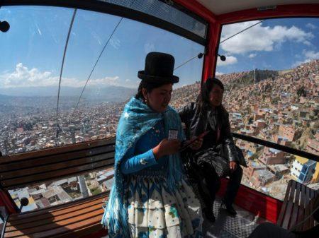 Evo inaugura nova linha do teleférico de La Paz