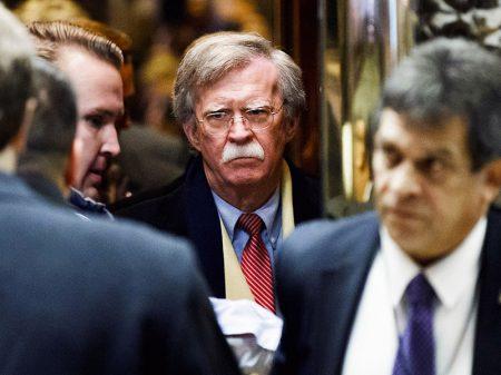Trump troca general McMaster  pelo traficante de guerra Bolton