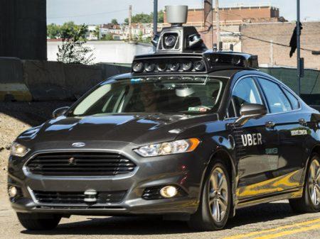 EUA: carro autônomo da Uber atropela e mata mulher