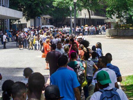 Taxa de desemprego sobe a 17,5% na RMSP