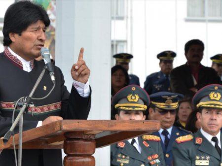Evo destaca importância da formação anti-imperialista das Forças Armadas