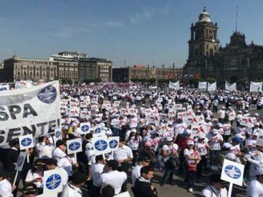 1º de Maio no México: trabalhadores ocupam o centro da cidade por salários e direitos