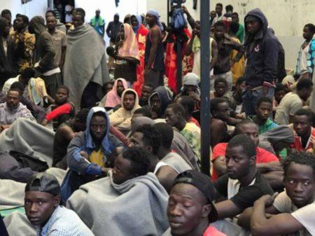 Nigerianos processam a Itália por subcontratar a escravagistas líbios para resgate de imigrantes