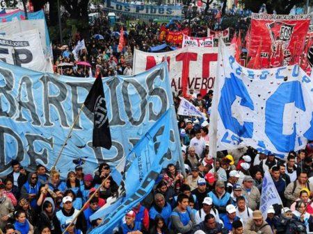 Trabalhadores saíram às ruas de Buenos Aires para dizer basta ao arrocho de Macri