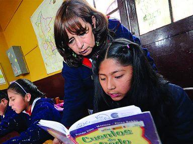 Bolívia reduz analfabetismo de 15% em 2006 para 2,4% hoje