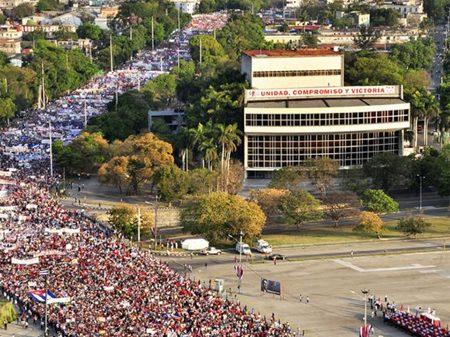Seis milhões nas ruas fortalecem conquistas sociais em Cuba