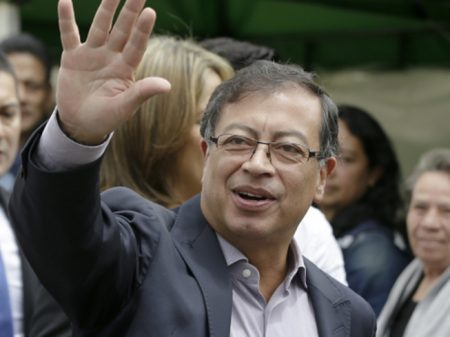 Colômbia: Petro enfrenta marionete de Uribe e EUA no 2º turno da eleição