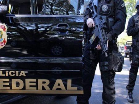 Operação da PF visa esquema de doleiros envolvidos com Cabral
