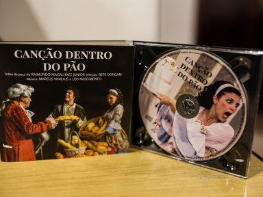 """CPC-UMES lança CD com trilha sonora da comédia """"Canção Dentro do Pão"""""""