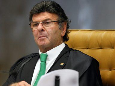 Luiz Fux suspende todas as ações que questionam piso mínimo do frete