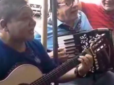 """""""Canto contra o crime e a desgraça na Nicarágua"""", afirma compositor sandinista"""
