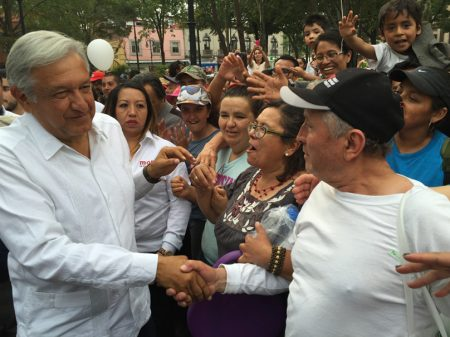 """Privatizar o petróleo é trair a pátria"", diz Obrador"