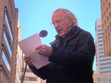 """""""Assange expôs ataque dos EUA às leis internacionais"""", afirma Pilger"""