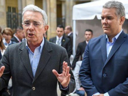 Poste indicado por Uribe é eleito com 28% do eleitorado colombiano