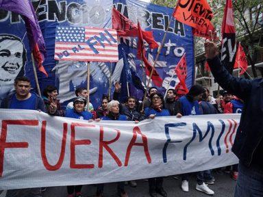 Intelectuais e artistas repudiam a alienação da economia argentina ao FMI
