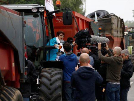 França: agricultores bloqueiam entrada de refinarias da Total contra importação de oleo vegetal