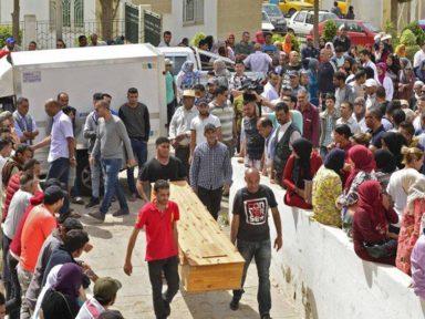 Mortos e desaparecidos no naufrágio da Tunísia chegam a 100
