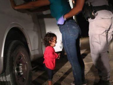 Cruel e imoral: Trump separa 2 mil crianças dos seus pais imigrantes