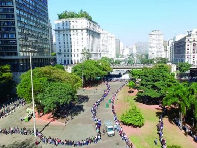 Governo culpa greve pela falência de sua política econômica: PIB -3,4%
