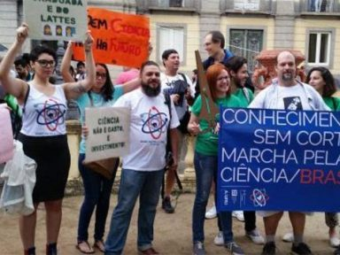 SBPC e ABC condenam cortes na ciência e tecnologia