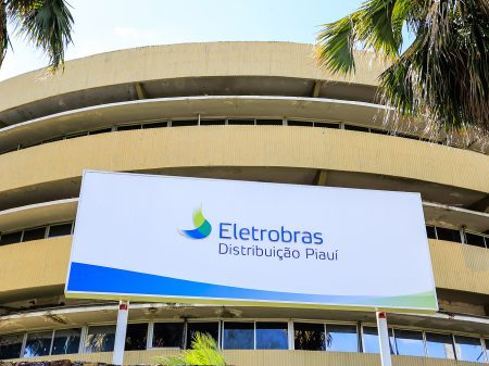 Governo suspende leilão das distribuidoras