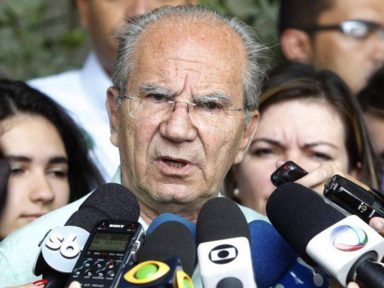 """""""Não vou vender minha alma"""", diz Frejat ao desistir de candidatura no DF"""