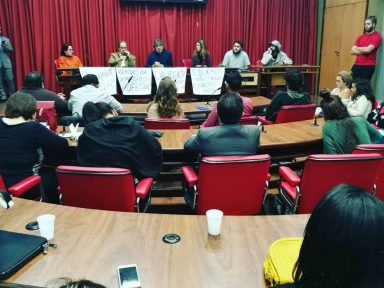 Estudantes e professores denunciam demissões em massa na multi Laureate