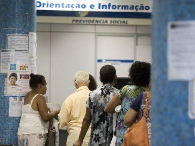 Correção de só 3,3% representa perda a aposentados, diz Cobap