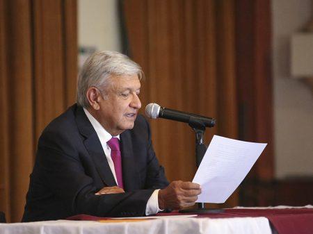 """Obrador: """"Pemex vai modernizar e construir refinarias para reverter as importações"""""""