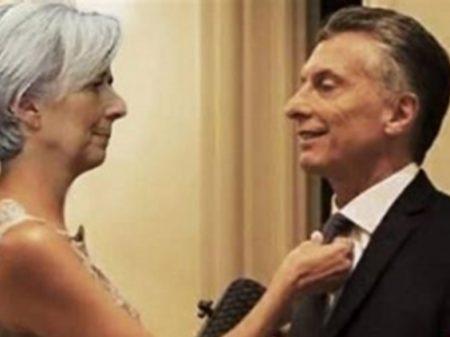 Medida de Macri para atender ao FMI ameaça demitir 7 mil