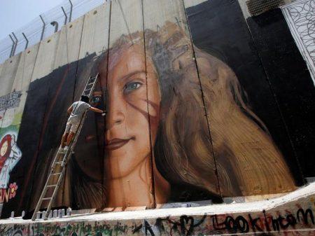 Sai da prisão Ahed Tamimi, símbolo da resistência da juventude à ocupação israelense