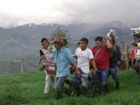 Documentário denuncia assassinatos de dirigentes sociais na Colômbia